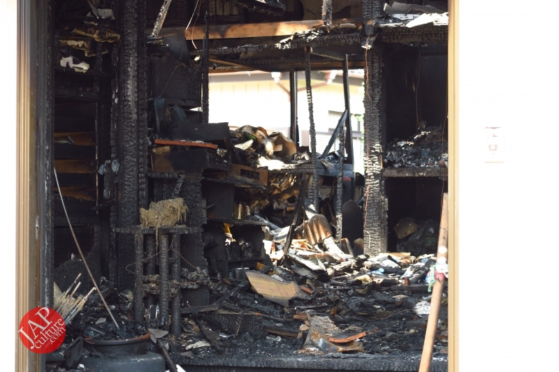 Is Sales promotion after fire burned down helpful or disgusting? (6)