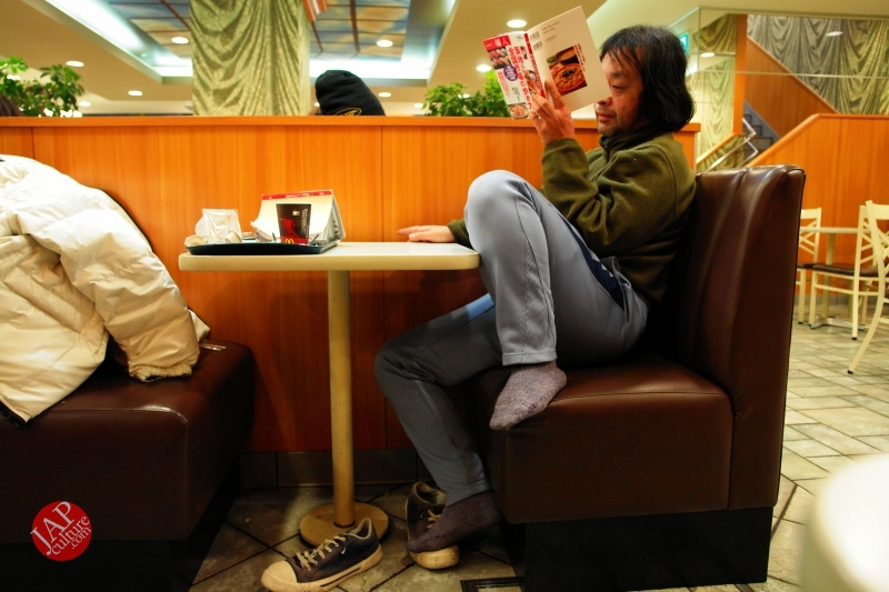 Struggle with MacDonald's uncomfortable chair, its Challenge to marketing strategy (1)