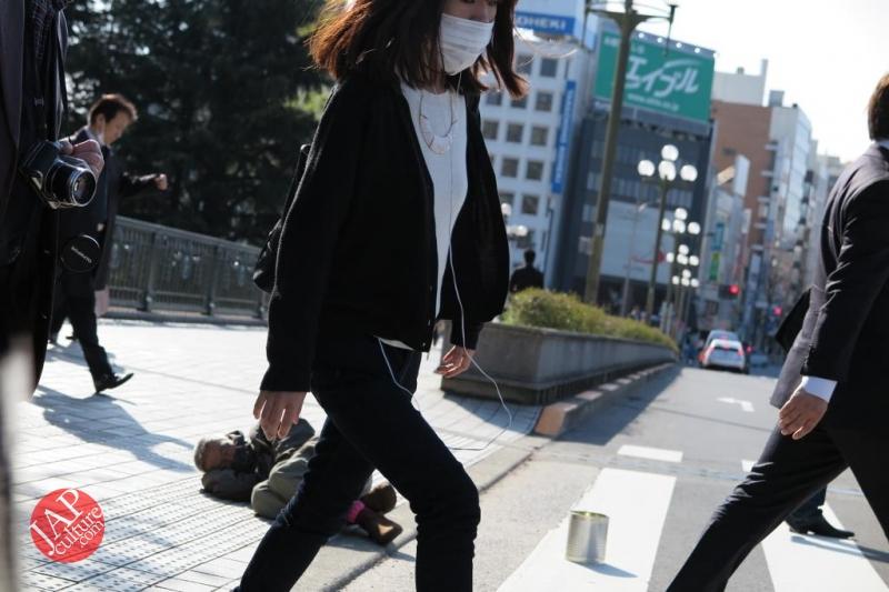 Truth of Japanese dirty reality under beautiful Sakura cherry blossom (3)