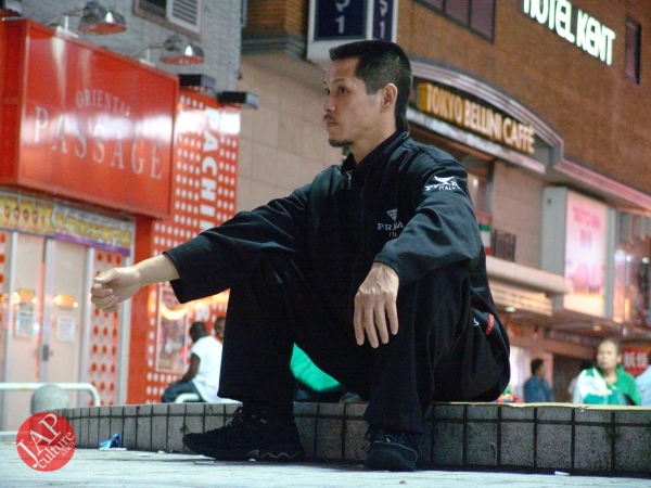 Exciting real street fight show at dangerous town, Kabukicho (58)