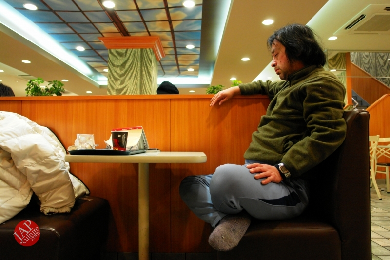 Struggle with MacDonald's uncomfortable chair, its Challenge to marketing strategy (5)