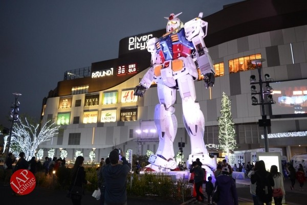 Gundam attraction is Chinese Humiliation & incomprehension for Russian weaoon dealer (1)