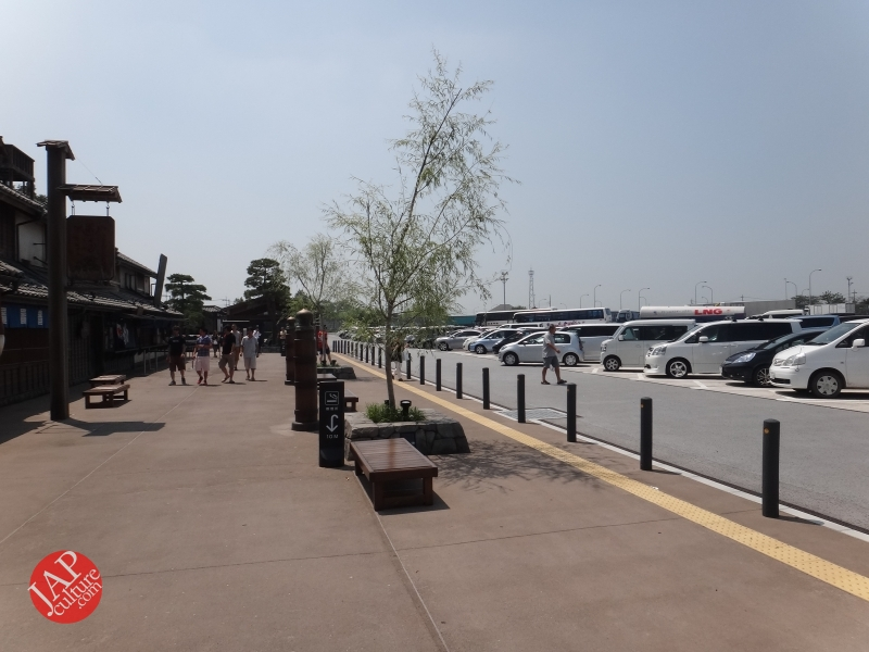 New Japanese historical town on the highway with traditional foods, Hanyu parking (24)