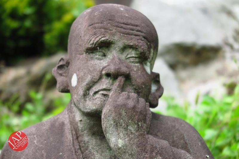 Nose-picking Buddha accept your prayer request with drunken Buddh0001