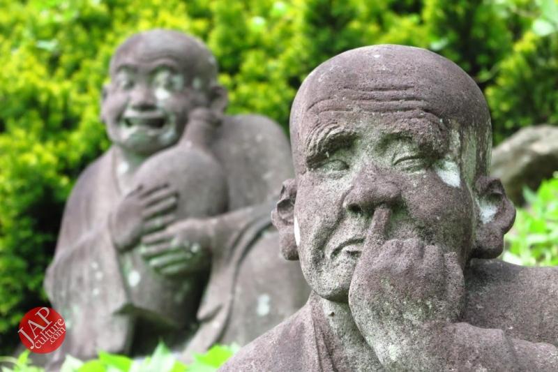 Nose-picking Buddha accept your prayer request with drunken Buddh0002