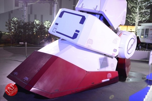 Gundam attraction is Chinese Humiliation & incomprehension for Russian weaoon dealer (5)