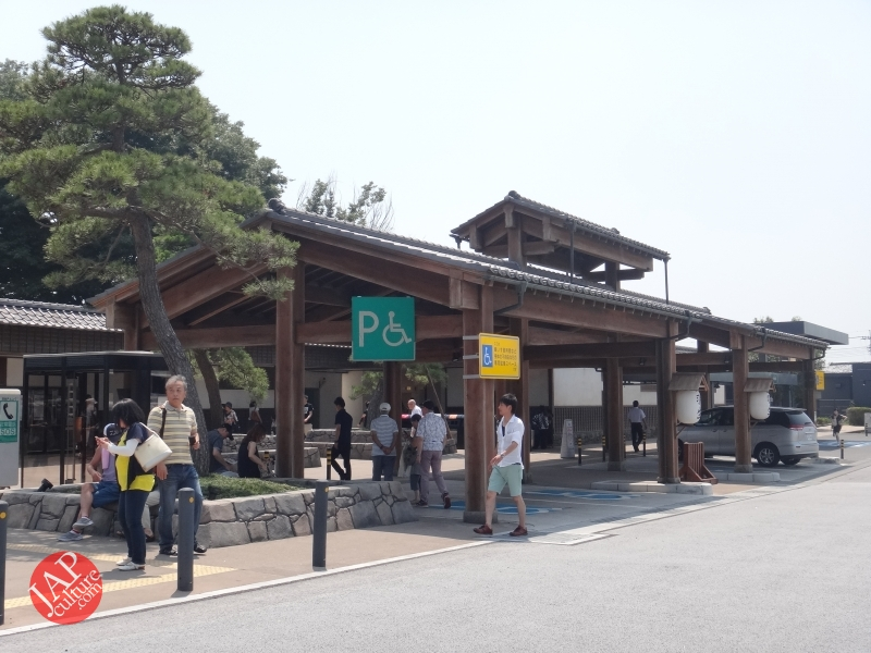 New Japanese historical town on the highway with traditional foods, Hanyu parking (26)