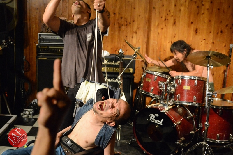 [True punk] Handicapped band, Noseimahi-go breaks barrier & fly with wheel chair (10)