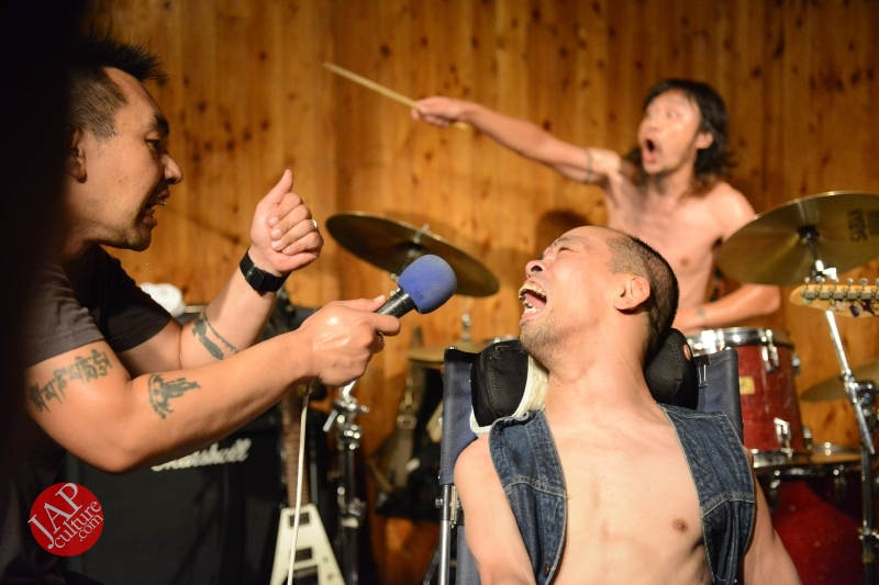 [True punk] Handicapped band, Noseimahi-go breaks barrier & fly with wheel chair (7)