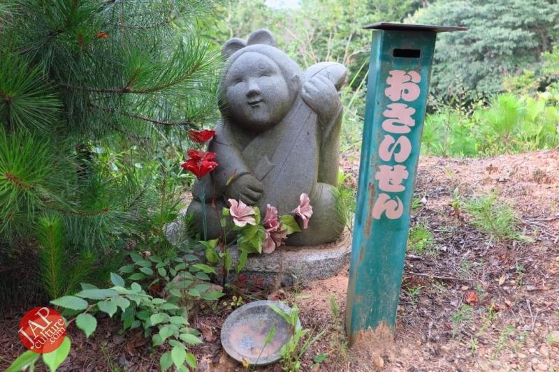 Nose-picking Buddha accept your prayer request with drunken Buddh0033