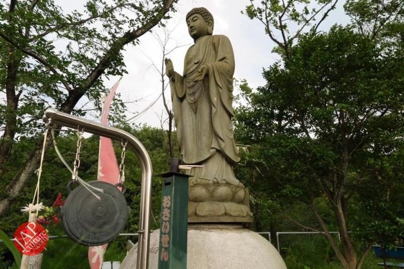 Nose-picking Buddha accept your prayer request with drunken Buddh0035